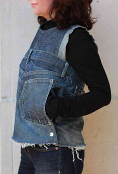 Fab denim refashion by InthemoodforCouture - Jeansjacke Outfit Denim Top, Refaçonner Jean, Kendall Jenner, Jeans Refashion, Estilo Jeans, Denim Ideas, Denim Crafts, Recycled Denim, Denim Fashion