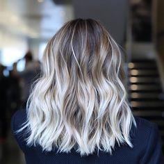Dramatic beachy blonde. ✔️ Hair color by me. Cut/styled by @anhcotran #anjaburtonhaircolor #sunkissed #beachbabehair…