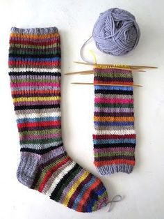 omⒶ KOPPA: Kirjavat kesävillasukat Wool Socks, Knitting Socks, Baby Knitting, Crochet Potholders, Knit Crochet, Lots Of Socks, Knitting Patterns, Crochet Patterns, Fluffy Socks