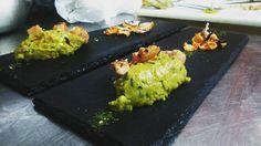 #quenelle #guacamole #tataki #gastronomía #Chile #sanpedrodeatacama #puq #instalike #instafood #food #entrada # by maca.otey