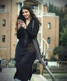 for beautiful Alizeh in Ae Dil hai Mushkil! Loved her style in the movie. Indian Attire, Indian Wear, Indian Outfits, Pakistani Dresses, Indian Dresses, Pakistani Girl, Dress Outfits, Fashion Dresses, Work Outfits