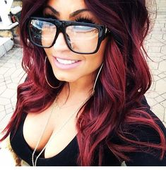 Trendy hair color highlights chunky love her ideas Pelo Color Borgoña, Red Colour, Red Wigs, Hair Color Highlights, Super Hair, Brown Hair Colors, Plum Red Hair, Dark Burgundy Hair, Magenta Hair
