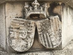 Coat of arms of Matthias Corvinus, also called Matthias I (Hungarian: Hunyadi Mátyás, 23 February 1443– 6 April 1490), King of Hungary and Croatia from 1458, and Beatrice of Naples (16 November 1457 – 23 September 1508), also known as Beatrice of Aragon (Hungarian: Aragóniai Beatrix; Italian: Beatrice d'Aragona), daughter of Ferdinand I of Naples and Isabella of Clermont - well in the Bailey of the Castle of Buda. Matthias Corvinus, Vlad The Impaler, Ottoman Turks, Renaissance Fashion, Aragon, Ferdinand, 15th Century, Coat Of Arms, Hungary