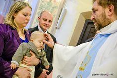 Chrzest Igora w parafii Leszno. Fotograf na chrzest - www.piotrmichalski.com #fotografwolneterminy