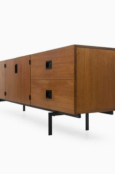 Japanese Sideboard | Cees Braakman for Pastoe | via Studio Schalling