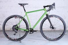 Le Victoire Versus V2 de Rémi, vélo gravel bike artisanal sur-mesure en acier