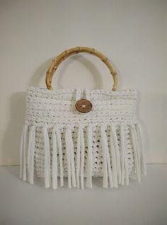 t shirt yarn crochet white handbag, bamboo handles by yrozafcrocheting on Etsy White Handbag, T Shirt Yarn, Knitted Bags, Crochet Yarn, Crochet Projects, Dream Catcher, Bamboo, Shirts, Etsy