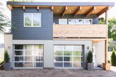 Saskatoon Garage and Garden Suite Builder. Garage Guest House, Carriage House Garage, Dream Garage, Garage Apartment Plans, Garage Apartments, Small House Plans, House Floor Plans, Carriage House Apartments, Plan Garage