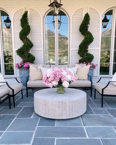 Outdoor Areas, Outdoor Rooms, Outdoor Living, Outdoor Furniture Sets, Outdoor Decor, Apartment Backyard, Backyard Patio, French Style Homes, Deck Decorating