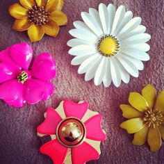 Funky retro brooches. #vintage #retro #brooches #jewellery