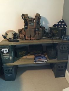 Display shelf w ammo box base
