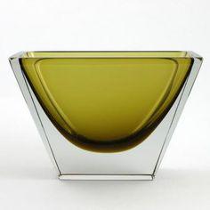 Harry Moilanen for Nuutajärvi Glass Vessel, Glass Art, Glass Design, Design Art, Beauty Magic, Lassi, Glass Texture, Antique Glass, Scandinavian Design