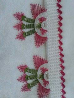 This Pin was discovered by Bet Needle Lace, Bargello, Filet Crochet, Elsa, Diy And Crafts, Rugs, Model, Pattern, Crochet Motif