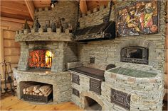 Камин на кухне в загородном доме Barn Kitchen, Backyard Kitchen, Outdoor Kitchen Design, Rustic Kitchen, Stone Fireplace Decor, Outdoor Stone Fireplaces, Outdoor Fireplace Designs, Outdoor Barbeque, Outdoor Oven