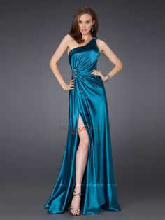 Floor-Length-Asymmetric-Neckline-One-shoulder-Beaded-Strap-Side-Slit-Celebrity-Dress-Brooch-Accented-SD1708.jpg 900×1.200 pixels