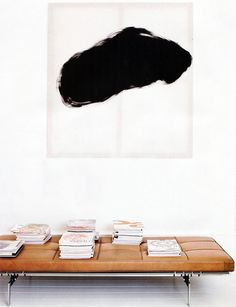 Hallway Inspiration ǁ Fritz Hansen products: PK80™ daybed by Poul Kjærholm