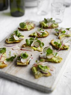 Find out how to make delicious Toasted Sourdough with Avocado, Radish and Watercress with this vegetarian recipe from Veggie Magazine Party Canapes, Fingerfood Party, Tapas, Canapes Recipes, Appetizer Recipes, Vegetarian Appetizers, Savoury Recipes, Ideas Para Canapés, Superfood