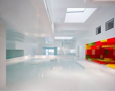 Les Bains des Docks is an aquatic centre in Le Havre, France, designed by French architect Jean Nouvel Jean Nouvel, Design Moderne, Deco Design, Architecture Design, Architecture Interiors, Genius Loci, Belle Villa, Indoor Swimming Pools, Le Havre