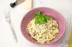 Pasta Carbonara Pasta Carbonara, Fine Dining, Cabbage, Spaghetti, Food And Drink, Baking, Vegetables, Ethnic Recipes, Bakken