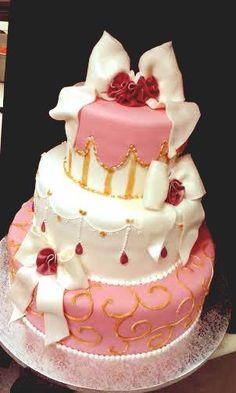 #weddingcake in rosa. realizzazione della pasticceria La Mimosa di simocakedesigner.it