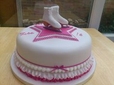 OMG I need this cake! Ice skating is my life! Ice Skating Cake, Ice Skating Party, Roller Skating Party, Skate Party, Skate 3, Birthday Cakes For Teens, 3rd Birthday Cakes, Cupcakes, Cupcake Cookies
