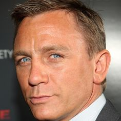 Daniel Craig Workout Revealed - How to Look Like James Bond Daniel Craig James Bond, Daniel Craig Films, New James Bond, Skyfall, Rachel Weisz, Daniel Craig Workout, Daniel Graig, British Men, Man Crush