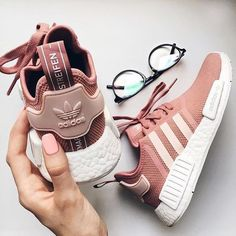 Ideas For Sneakers Outfit Adidas Nmd Sneakers Mode, Pink Sneakers, Pink Shoes, Sneakers Fashion, Adidas Sneakers, Women's Shoes, Shoes Style, Dots Fashion, Uk Fashion