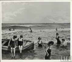 """Friends enjoying the """"shore"""" 1880-1910"""