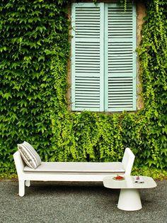 Low #garden side #table LouLou by Serralunga | #design Raffaella Mangiarotti #outdoor