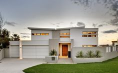 trendy Ideas for exterior cladding australia colour schemes House Exterior Color Schemes, House Paint Exterior, Exterior Colors, Brown Brick Houses, Rendered Houses, House Color Palettes, Pintura Exterior, Roof Colors, Exterior Cladding