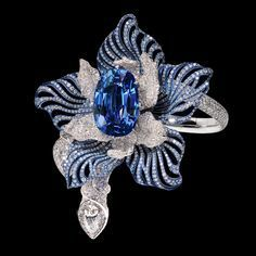 Titanium and white gold with sapphire and diamonds by Manalys Joaillerie