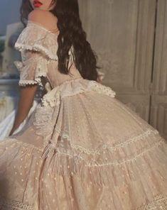Página Inicial / Twitter Pretty Dresses, Women's Dresses, Vintage Dresses, Beautiful Dresses, Wedding Dresses, Victorian Style Dresses, Victorian Outfits, Victorian Rooms, Victorian Gothic