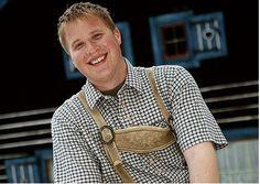 Michael Krenn. Hüttenwirt. Michael ist unser Hüttenwirt bei der Våstlhütte am Sam. An zwei Tagen in der Woche können Sie bei ihm einkehren und sich stärken.