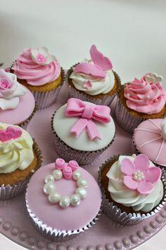 Boda Weeding Cakes http://violetaglace.blogspot.com.ar/p/cupcakes-tematicos-especiales.html