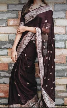 Dress Indian Style, Indian Dresses, Indian Outfits, Indian Wear, Saree Blouse Patterns, Saree Blouse Designs, Stylish Sarees, Stylish Dresses, Bridal Sarees South Indian