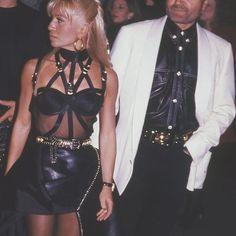 Gianni And Donatella Versace, Leather Skirt, Skirts, Instagram, Tops, Women, Fashion, Moda, Skirt