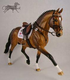 Beautiful Jumper tack on a model horse. CK Tiny Tack.