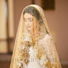 Nikkah bride Pakistani Bridal Couture, Bollywood Bridal, Pakistani Wedding Dresses, Bride Veil, Bridal Poses, Desi Wedding, Bridal Photography, Bridal Outfits, Bridal Collection