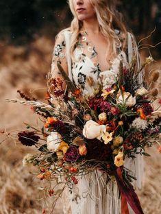 25 + › This Snowy Boho Elopement was Planned in Two Weeks! This Snowy Boho Elopement was Planned in Two Weeks! Fall boho bouquet/fall bridal bouquet/ fall bride/ осенняя свадьба/ осенний свадебный букет/ осенняя невеста Source by wedindiy Bridal Bouquet Fall, Fall Wedding Bouquets, Fall Wedding Flowers, Green Wedding Shoes, Fall Flowers, Floral Wedding, Wedding Colors, Bridal Bouquets, White Bouquets