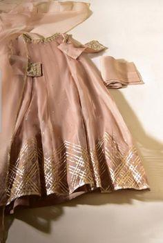 Fancy Dress Design, Girls Frock Design, Bridal Dress Design, Stylish Dress Designs, Designs For Dresses, Pakistani Fashion Party Wear, Pakistani Wedding Outfits, Indian Fashion Dresses, Dress Indian Style