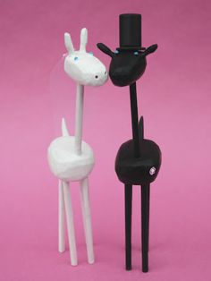black and white giraffe wedding cake toppers from bunnywithatoolbelt.com