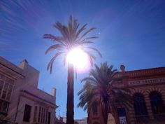 Cádiz, el sol y el Gran Teatro Falla, Andalucía, Spain