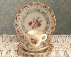 Miniature Heirloom Roses Dishes Kit by true2scale on Etsy, $8.50