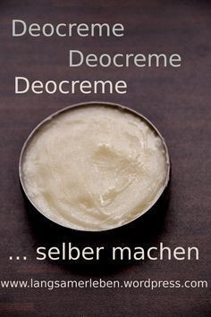 Deocreme selber machen I have already posted spray deodorant, deodorant and roll deodorant as self-made recipes and I am quite satisfied with it. Increasingly Deocreme comes to make itself into conversation, because … Belleza Diy, Homemade Deodorant, Diy Shampoo, Homemade Cosmetics, Natural Makeup Looks, Belleza Natural, Oils For Skin, Diy Skin Care, Natural Cosmetics