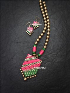 Multicolor Long Necklace Set By Nakshatra Terracotta – Jumkey Fashion Jewellery Diy Fabric Jewellery, Funky Jewelry, Handmade Beaded Jewelry, Jewelry Art, Jewelry Design, Designer Jewelry, Textile Jewelry, Antique Jewellery, Terracotta Jewellery Online