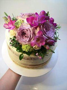 Semi naked wedding cake Auckland $165