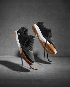 @etnies giving some love to UK ripper @barneypage on the new Helix dropping this week. This shoe is a true modern technical skateboarding shoe! #etnies #skateboarding #helix #supereight #wearesupereight #sneakers #footwear #etnieshelix #technicalskateboardshoesthatdontlooklikebighoofs