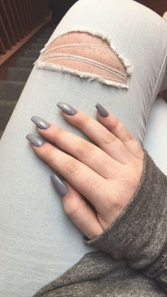 24 Photos of Amazing Coffin Nails