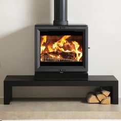 The largest of the Stovax View range, the View 8 wood burning stove is designed to provide high efficiency heating for contemporary homes as well as creating an outstanding focal point for your living space. An optional glass top is also availabl Popular Woodworking, Woodworking Shop, Log Burner, Woodworking Furniture, Storage Boxes, Wood Burning, Living Spaces, Living Room, Stoves