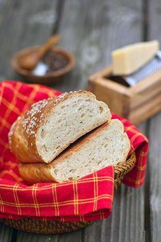 Хлеб с чёрным перцем и сыром и ещё кое-что...